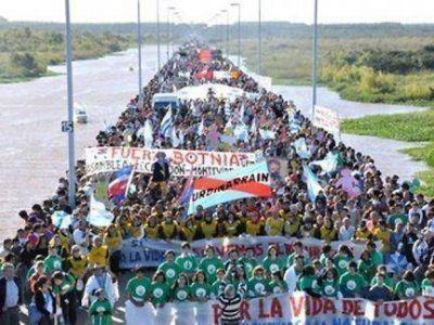 Suma adhesiones la marcha de la Asamblea Ambiental al puente en Gualeguaychú