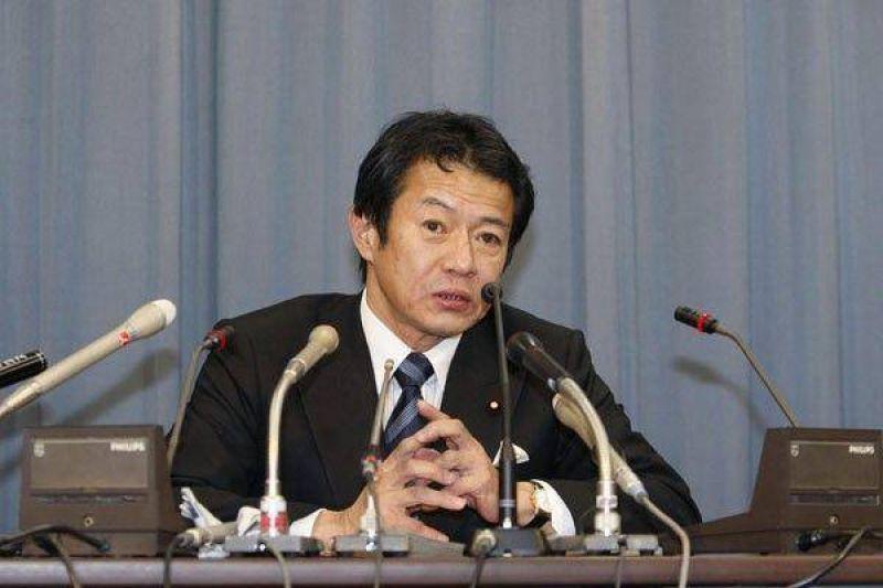 Renunciará el ministro japonés acusado de ebriedad