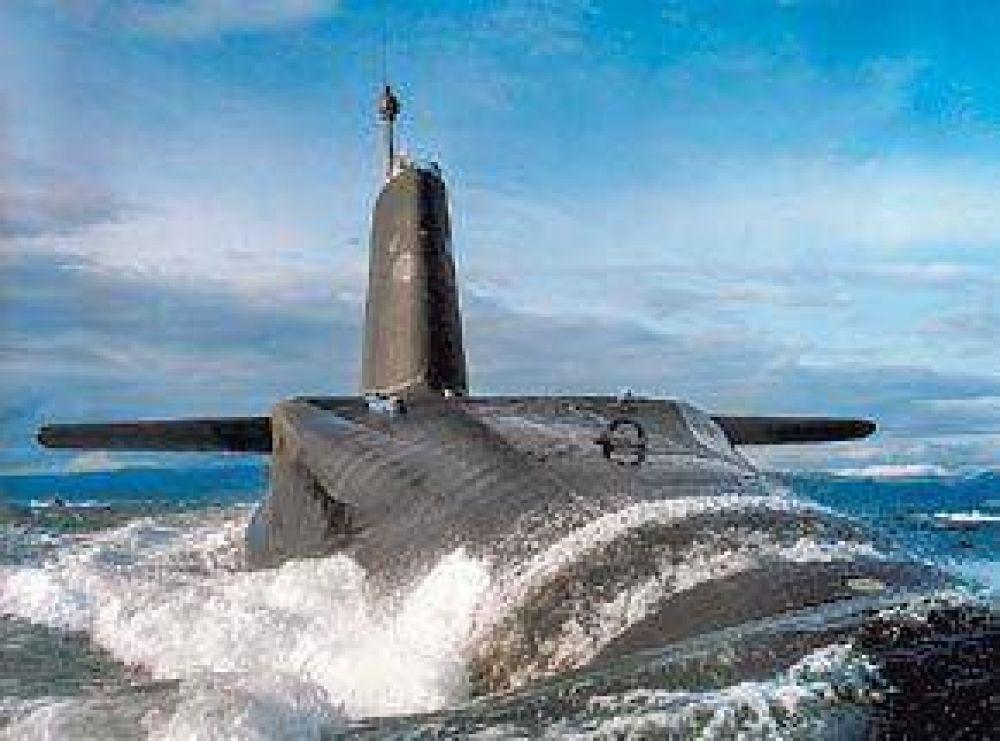 Chocan dos submarinos atómicos en el medio del Océano Atlántico