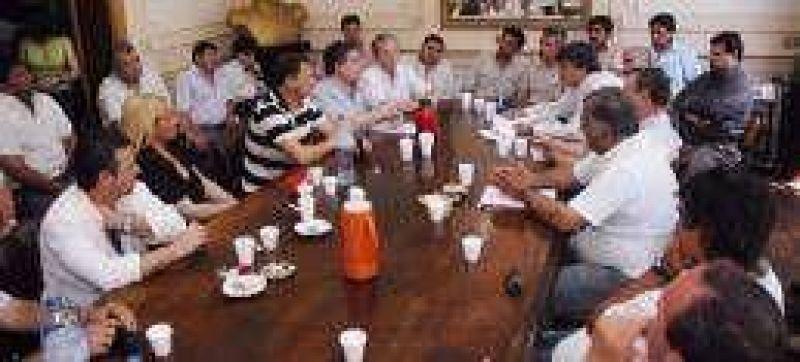 Gremios del cord�n instan a acordar una estrategia salarial conjunta
