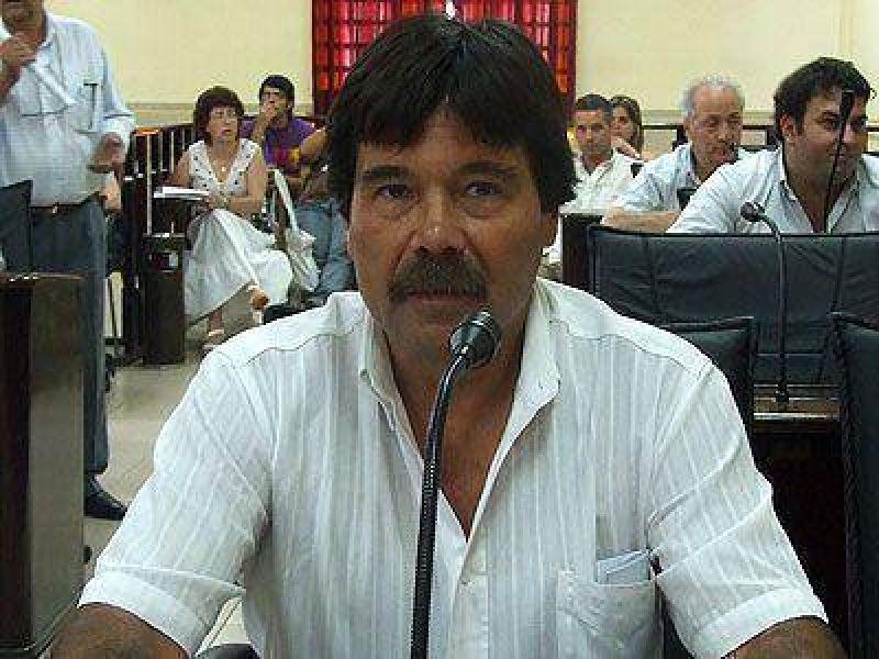 LANÚS   ELECCIONES 2009    López ratificó su respaldo al oficialismo y criticó al PJ disidente
