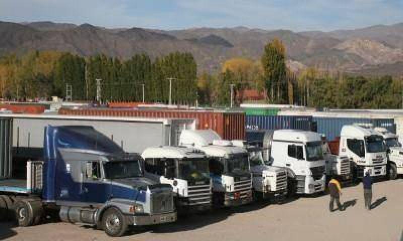 Conflicto en alta montaña: camioneros, Afip y Gendarmería volvieron a reunirse