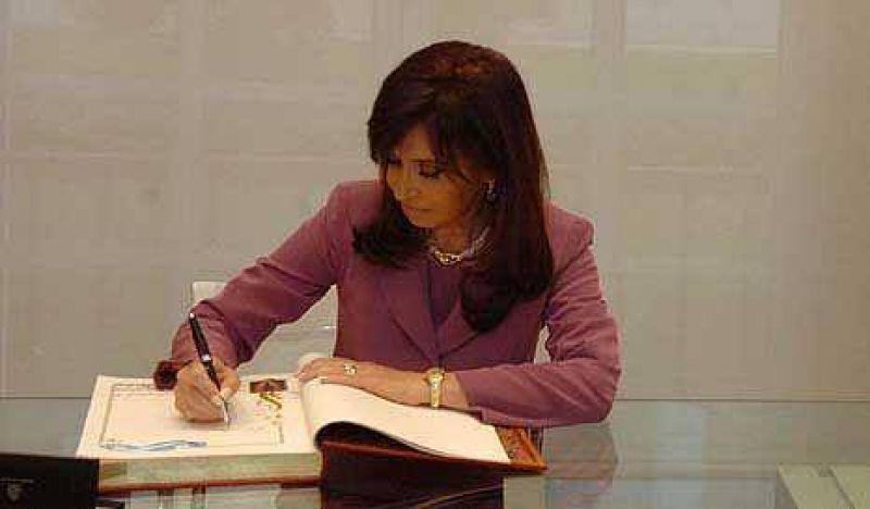 Cristina firmó un decreto secreto de 133 millones de pesos para Lockheed