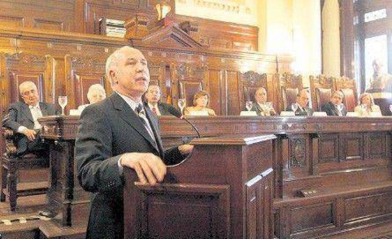 Lorenzetti pide a los jueces que no acepten directivas de nadie