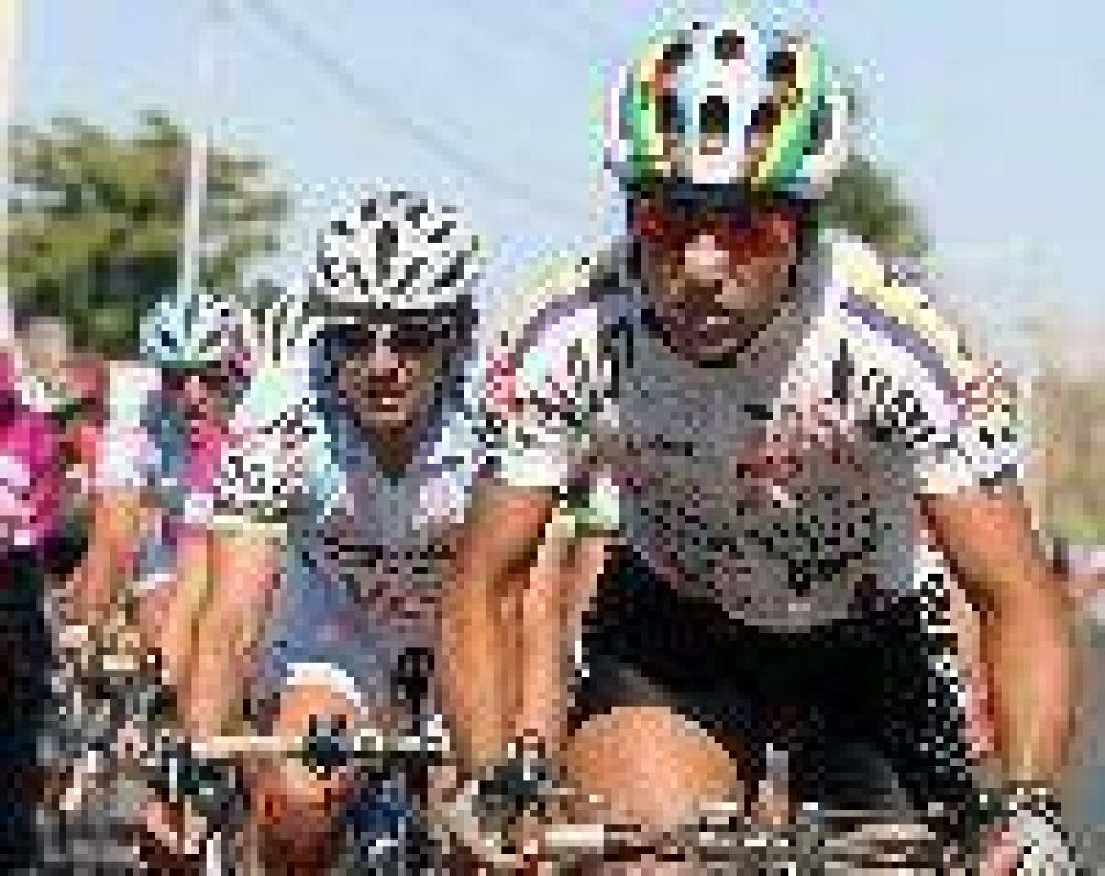 Gerardo Fernández ganó la quinta etapa de la Vuelta de Mendoza