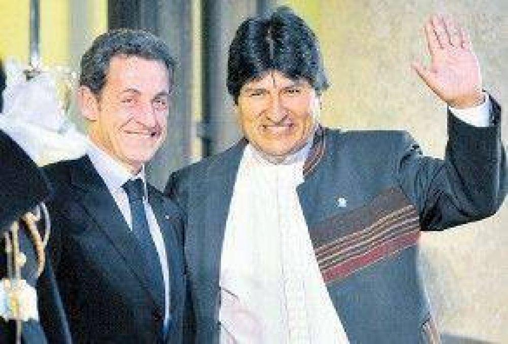 Buscan la reelección ilimitada de Morales