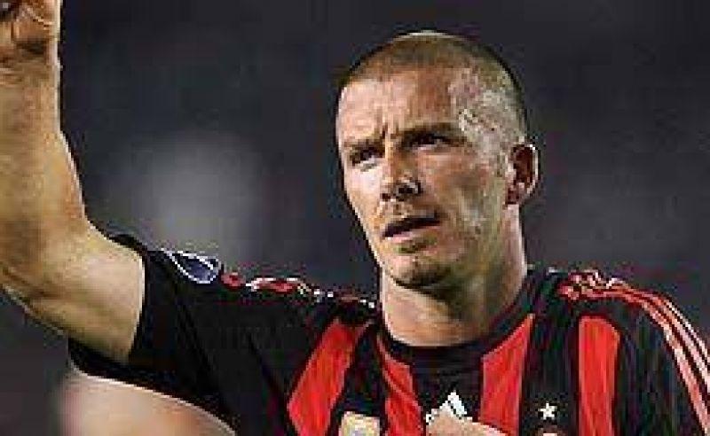 Milan aun mantiene las chances de fichar a Beckham.