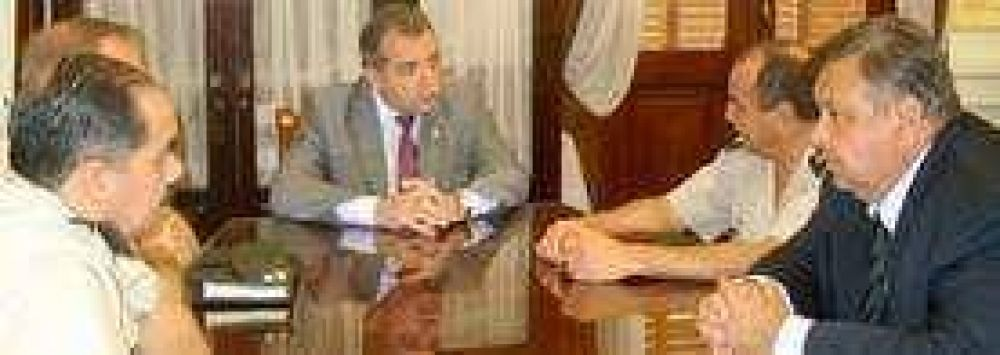 Autoridades de gendarmería se reunieron con el Ministro de Gobierno