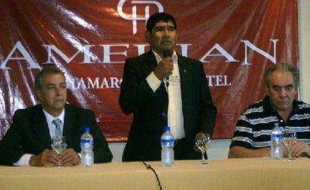 José Perea desafió a un debate público a