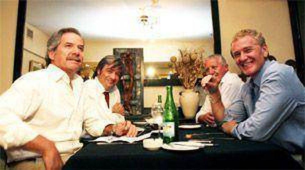 Solá y De Narváez volvieron a reunirse, pero no hablaron de las candidaturas legislativas