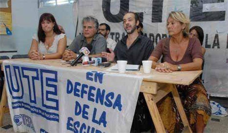 Los docentes porteños piden una mesa de discusión salarial