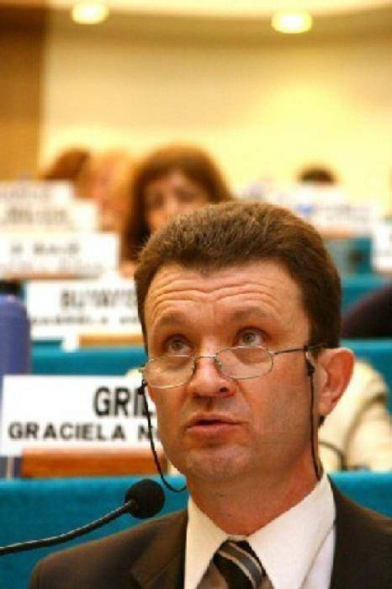 Bariloche: El ministro Pega evaluó la marcha de planes sociales.