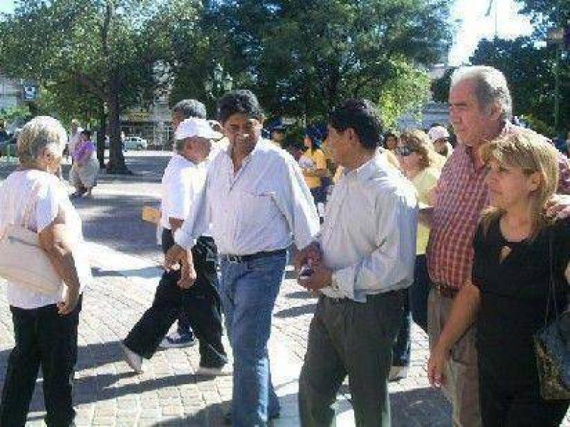 Bombón Mercado no fue al debate propuesto por Perea