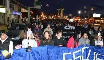 Peralta en Problemas: Importantes movilizaciones y cacerolazos en toda Santa Cruz