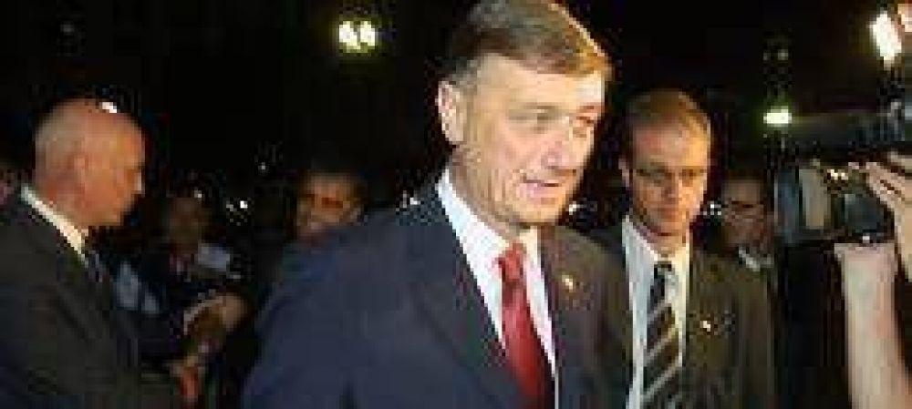 Binner no le pedirá disculpas a Reutemann por la venta del banco