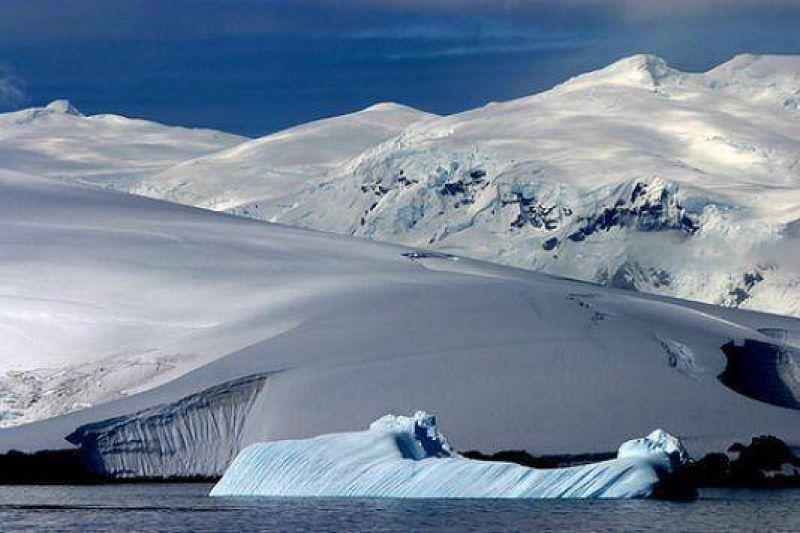 Confirman que se reaprovisionaron todas las bases argentinas en la Antártida.