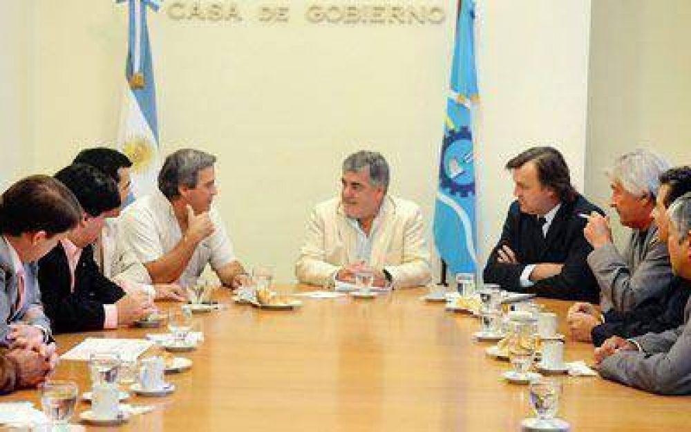 Con el PJ, concluyó en paz el diálogo político.