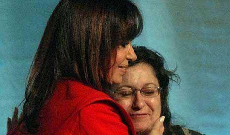 Custodia presidencial: Cristina atajó a Ocaña en la puerta de salida