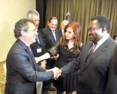 Urribarri participa en Angola de la misión comercial