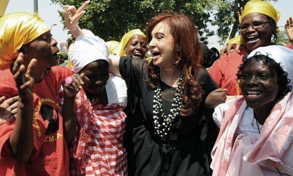 En Angola, Cristina destacó la importancia de las raíces afro en la cultura rioplatense