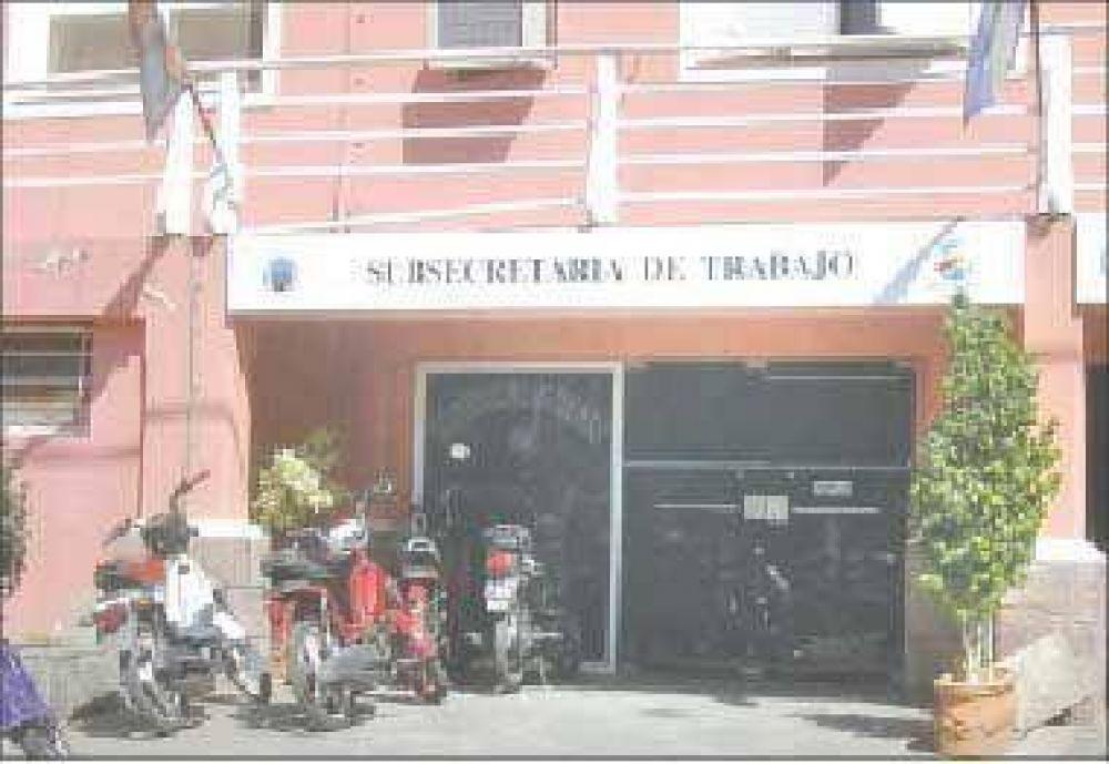 Buscan una salida al conflicto salarial generado en Aguas de La Rioja.