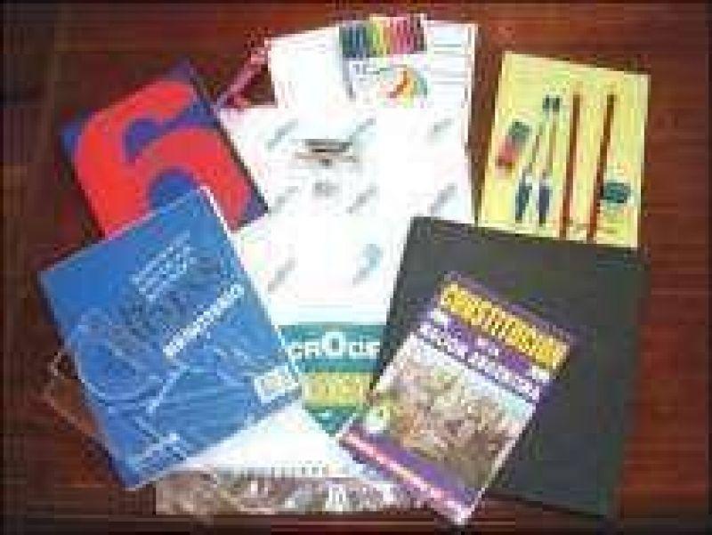 El lunes inician entrega de kits escolares.