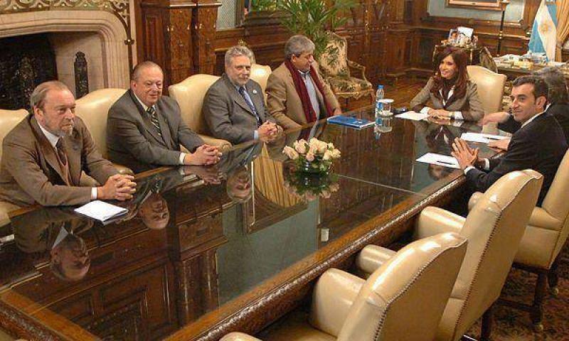 Expectativas en oficialismo por la reunión con el campo