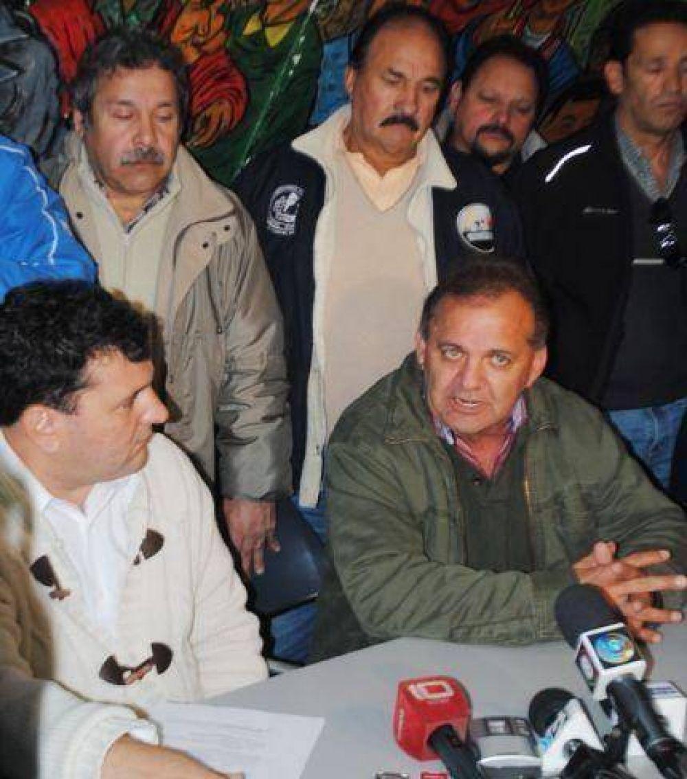 Scioli interviene en el conflicto del Puerto, donde el SIMAPE recibió contundente respaldo de la CGT