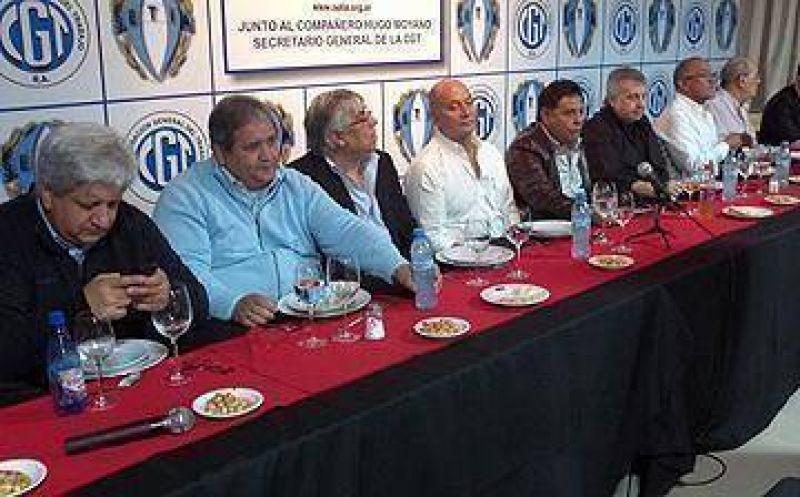 """En Esteban Echeverría, Moyano mostró su respaldo y lanzó un desafío: """"no le tengo miedo a nadie"""""""