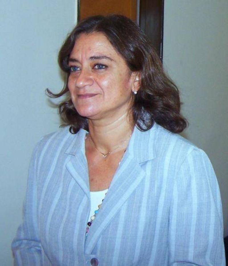 Lucia Corpacci: Pidi� disculpas por la no asistencia.