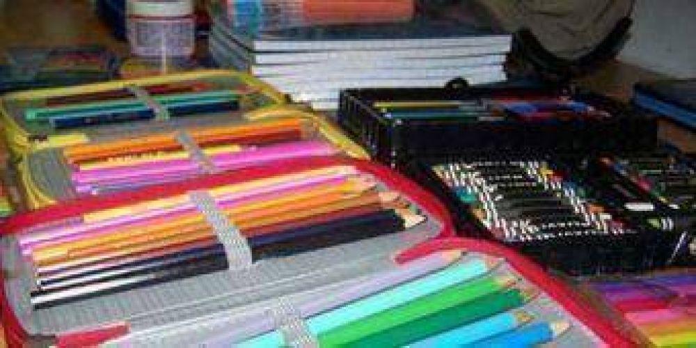 Según docentes, la canasta escolar no cubre las necesidades.