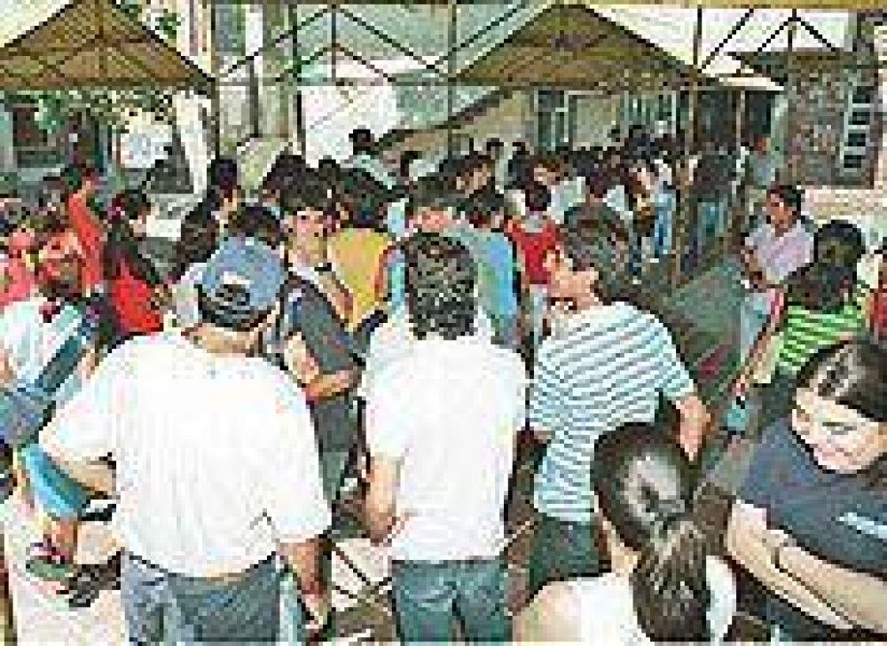 Hasta el 15 de marzo se podrá acceder a Becas Bicentenario.