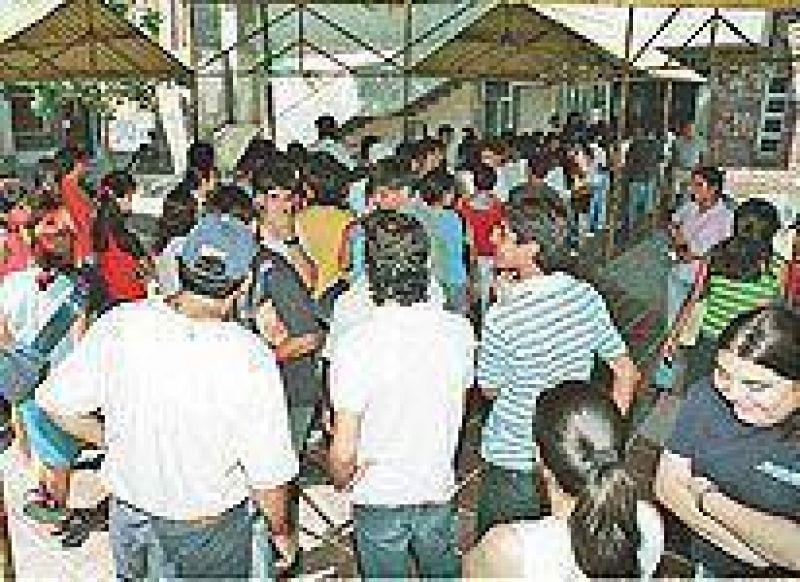 Hasta el 15 de marzo se podr� acceder a Becas Bicentenario.
