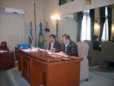 ENSENADA: Concejo Deliberante: Entre el gorilismo y las trompadas fuera del recinto