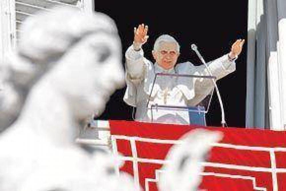 El Papa alude a la crisis interna de la Iglesia y llama a la unidad