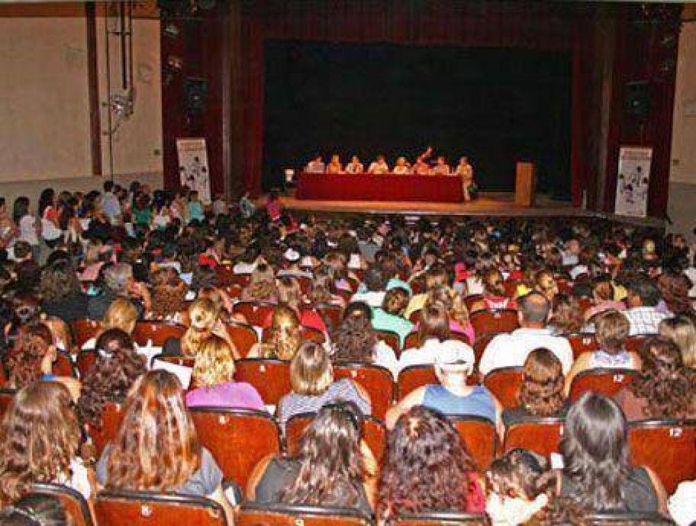 El sábado en nuestra ciudad: El Gobierno provincial titularizó más de 400 maestros de la región
