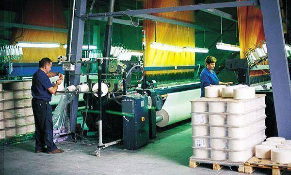 Alza en importaciones pone en alerta al sector textil