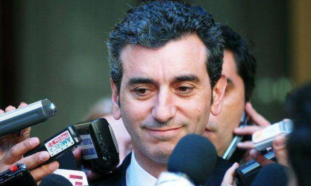 El Gobierno acusó a De Angeli de intentar