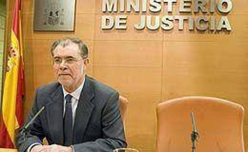 Envuelto en polémica, renunció el ministro de Justicia español