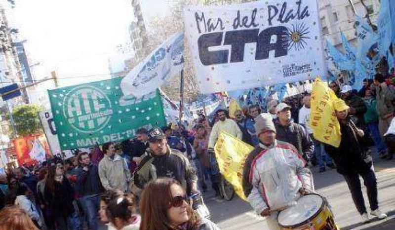 La CTA march� por Mar del Plata y se uni� a la movilizaci�n nacional