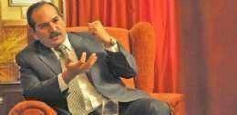 Alperovich idea otra salida por si fracasa el diálogo con abogados