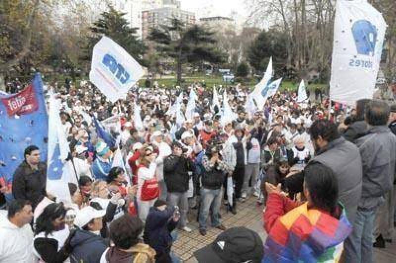 Pacífica protesta de la CTA y los trabajadores de la pesca