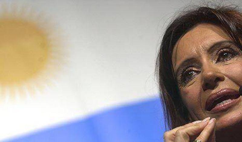 Pese a los anuncios, la imagen positiva de CFK no sube