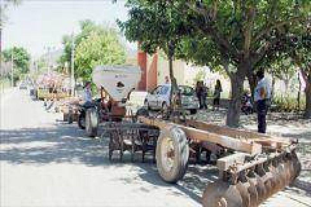 Productores protestaron con un tractorazo en Olta
