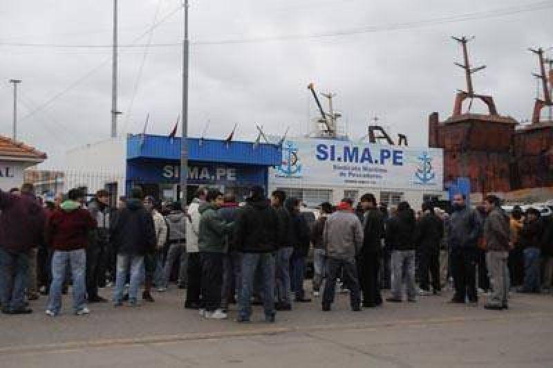 Continúa el paro del Simape y vuelve a profundizarse el conflicto en el puerto
