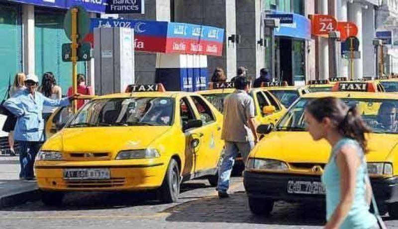 Taxistas exigen un 28 por ciento de incremento
