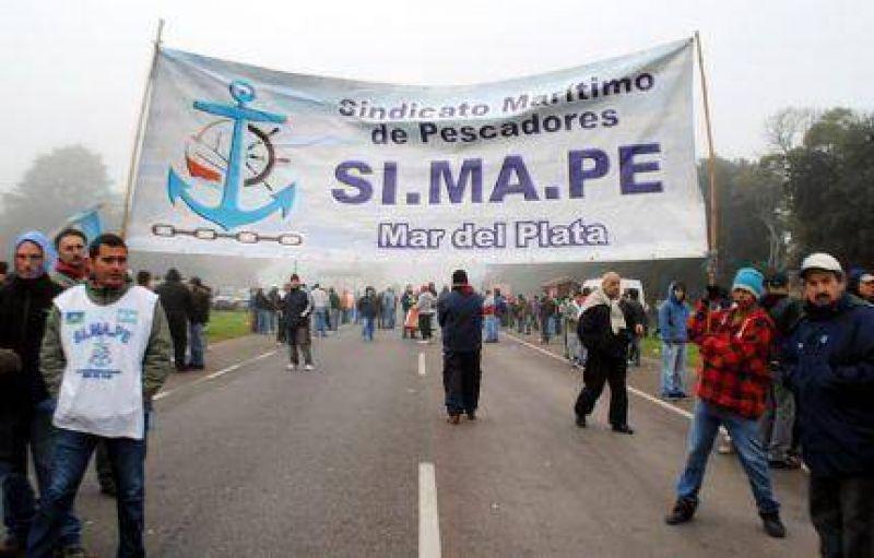 El Simape corta la Ruta 2 y la CGT llama a Plenario para decidir Movilización y analizar un potencial Paro General