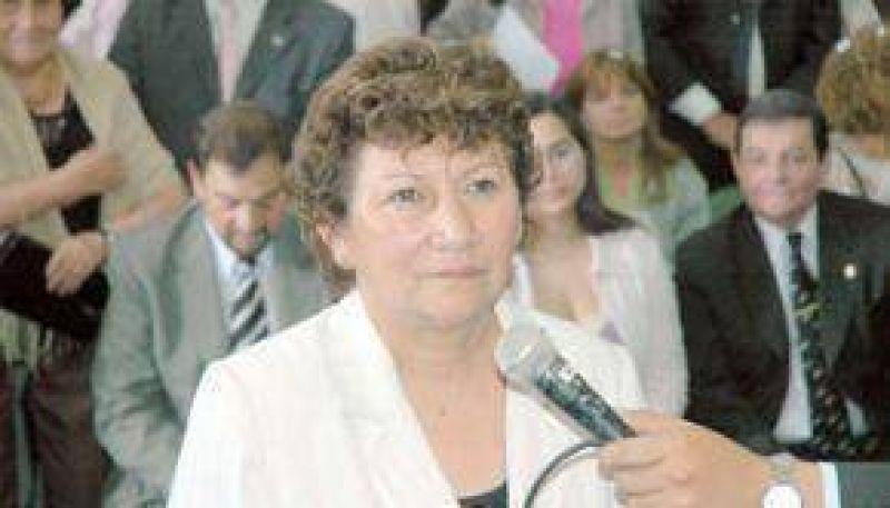 Elva Magno dejó su bloque y acusó a Isasmendi de oficialista