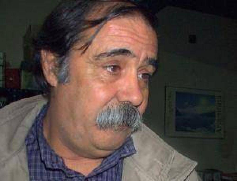 Roquel manifestó la necesidad de asistencia económica.