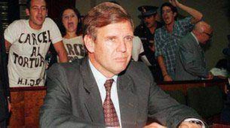 Pidieron prisión perpetua para Alfredo Astiz en Italia